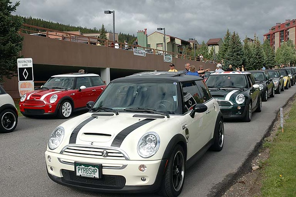 Jacob is ready to lead a large group of MINI on the all-day Rocky Mountain National Park to Winter Park drive.