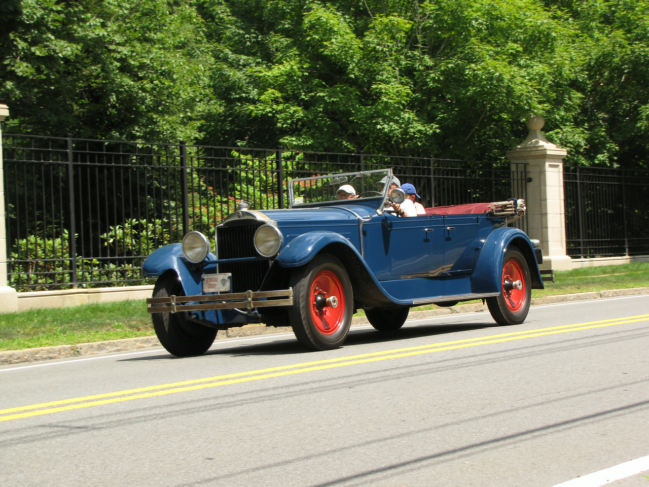 Packard or Pierce-Arrow