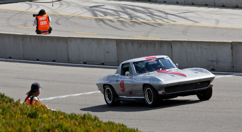 Photogs with Jock Griffith's 1964 Corvette Stingray