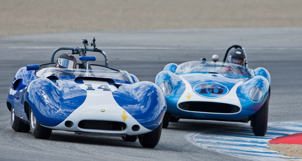 Bruce Canepa in 1959 Lister Corvette leads David Swig in 1958 Scarab MkI out of Andretti hairpin