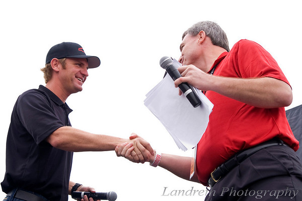 Chris Sommers from 99.5 The Wolf interviews Clint Bowyer