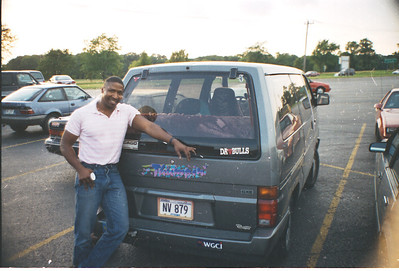 1993-9 Keith & Nissi in Parking lot2