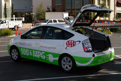 This plug-in modified Prius hybrid claims 100 mpg