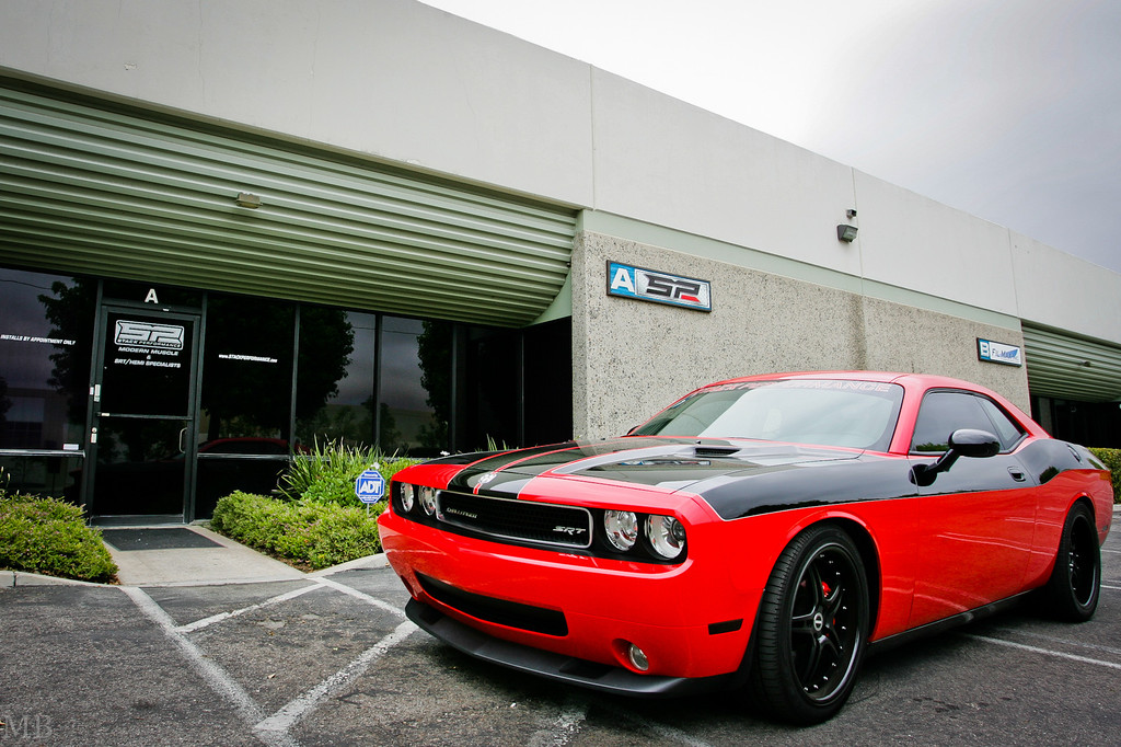 IMAGE: http://www.m-b-photos.com/Cars/Our-new-2009-Challenger-SRT-8/i-jcrgFtQ/0/XL/LL5B8093-XL.jpg