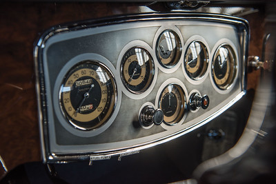 1932 Packard Twin Six  Instruments