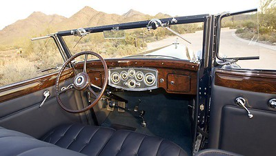 1932 Packard series 905 Twin Six Coupe Roadster - interior