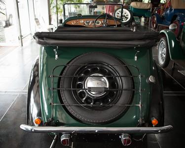 1939 Morris 840 Tourer - Palmer Motorama - Vintage Cars, Rare Cars, Sports Cars and Luxury Cars. Palmer Coolum Resort, Sunshine Coast, Qld, AUS; Saturday 14 June 2014. Photos by Des Thureson - http://disci.smugmug.com.