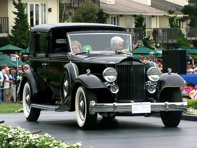 Class C-4: American Classic Closed 2nd - 1933 Packard 1006 LeBaron All Weather Landaulet