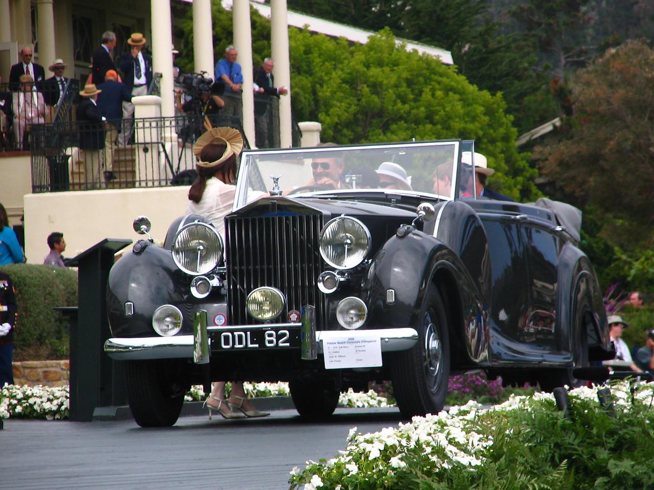 Class H, Rolls-Royce Prewar, Winner -- 1938 Rolls-Royce Phantom III H.J. Mulliner All Weather