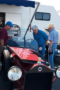 Jay Leno and the Lambda Ford car