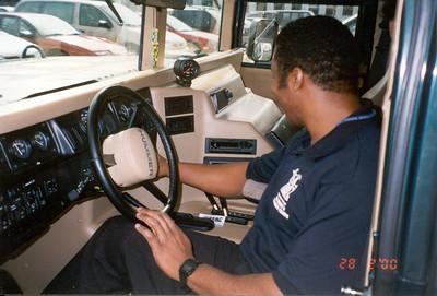 2000-2-28 13 Hummer