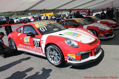 Porsche Centre Oakville / Alegra