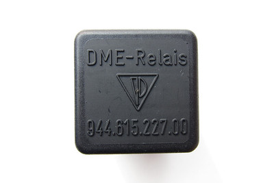 Part number: 944 615 227 00.  This relay now goes by part number: 993 615 227 01.  See this link: http://edelweiss.smugmug.com/Cars/Porsche-Technical-Stuff/993-DME-relay/25908530_K3GH54#!i=2147391095&k=xp92D5g