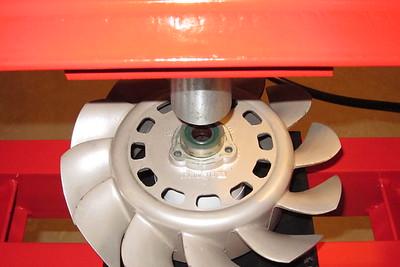 The fan with fan hub in position on the hydraulic press.