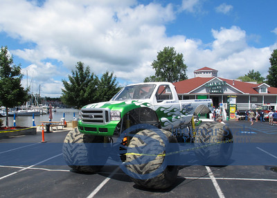 Quaker Steak in Vermilion has its own TOUCH A TRUCK August 3, 2013