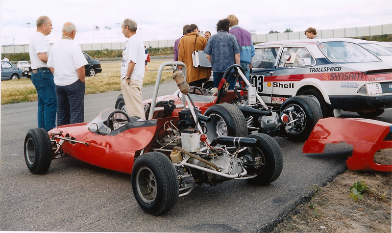 (Middle car) At the SAAB test track in Trollhàttan, 1994 SAAB Owners Convention