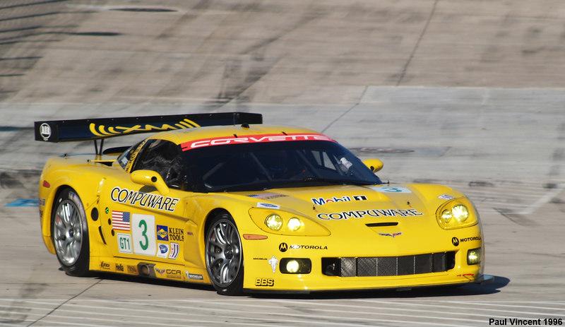 GT1-Corvette3B