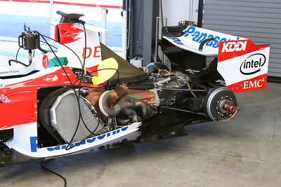 2006 Panasonic Toyota TF106 F1 - Garage Shots - Monterey Historics