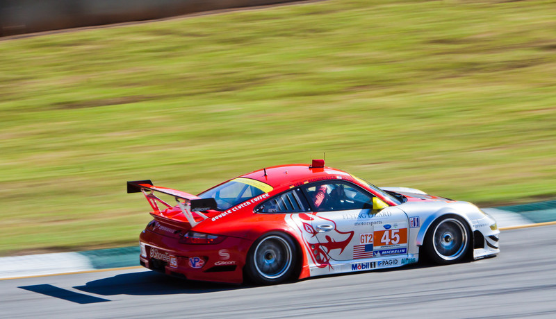 Flying Lizards Porsche GT3 RSR approaches esses