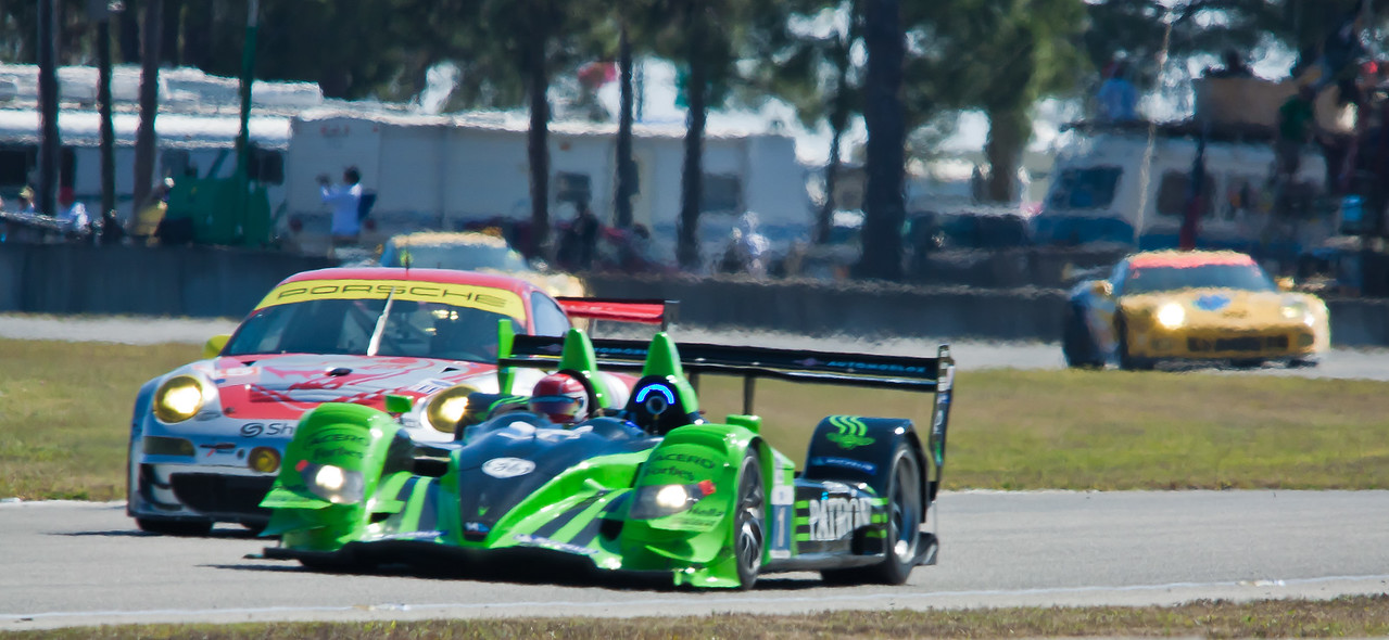 Flying Lizards Porsche GT3RSR and Patron Hycroft Acura HPD ARX-01c