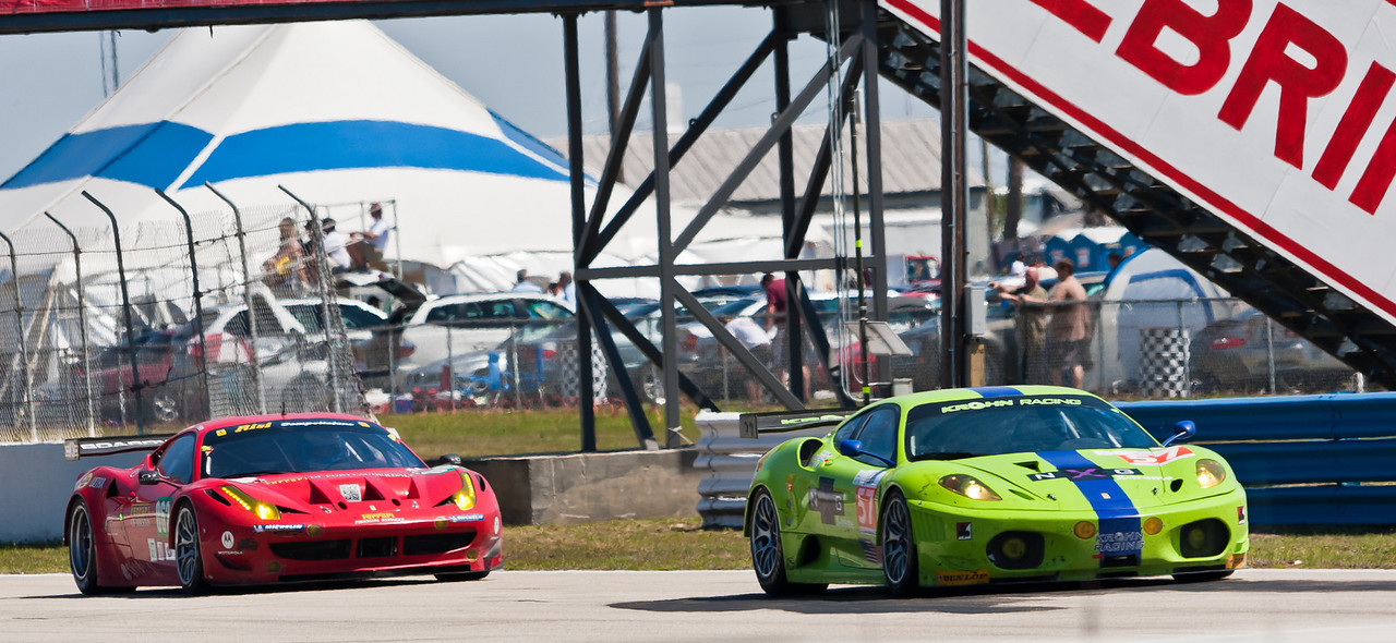 Ferrari F458 Italia trails F430 between turns 6 and 7