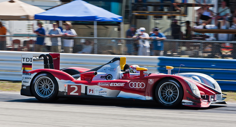 Tom Kristensen approaches Turn 7 in Audi R15+