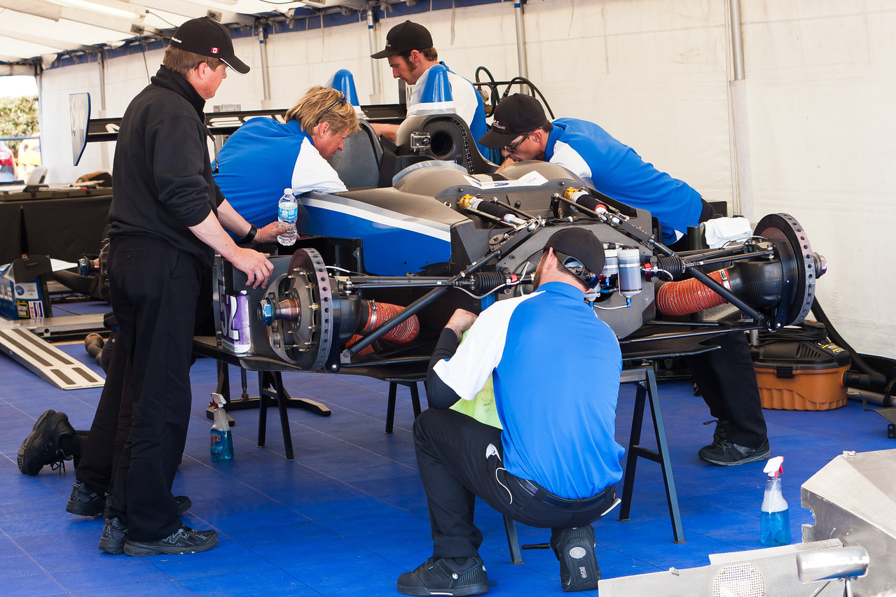 PR1 Mathiesen<br /> Motorsports crew preps PC class winning Oreca driven by David Ostella/David Cheng/Mike Guasch
