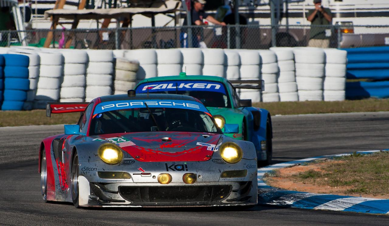 Flying Lizards vs. Falken GT3 RSRs