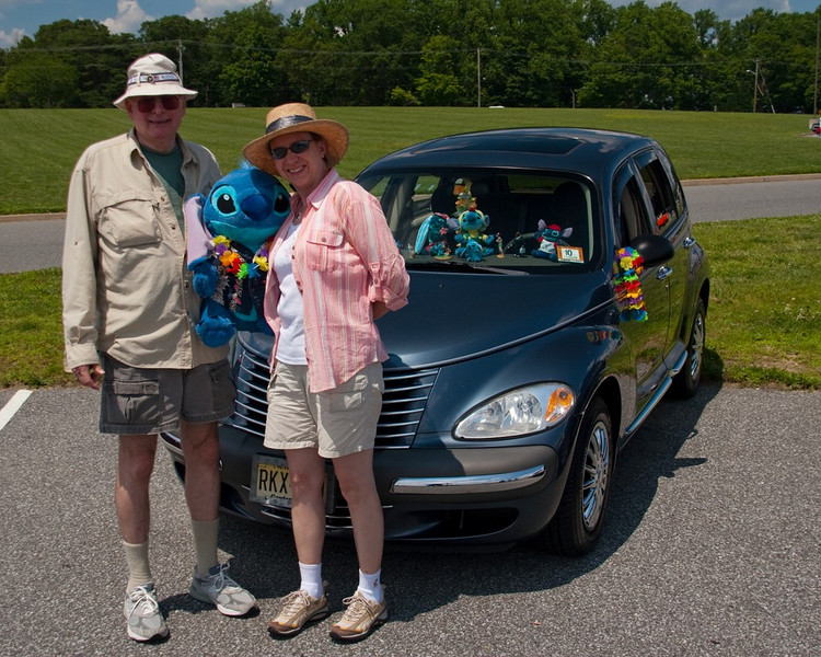 Mark's Dad, Linda, & Stitch!