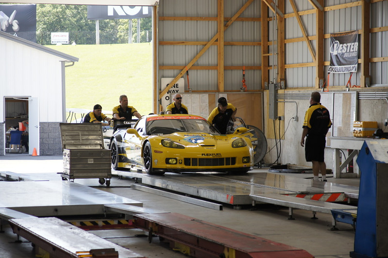 Corvette Racing Team tech 01