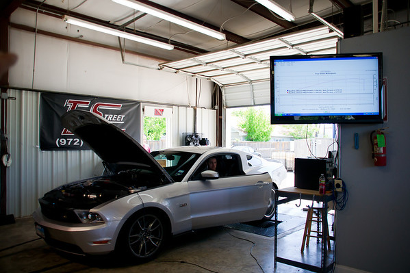 2011 Ford Mustang 5.0 (intake & out-of-box tune) - 399.93 hp / 378 tq<br /> DSC01540_20110416