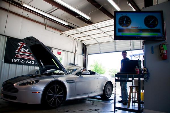 2010 Aston Martin Vantage Roadster  (stock) – 379 hp / 314 torque<br /> DSC01534_20110416