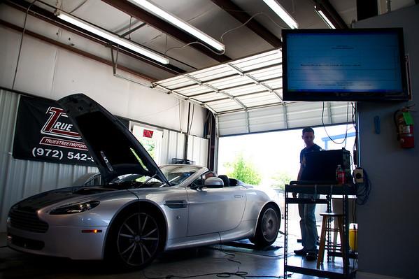 2010 Aston Martin Vantage Roadster (stock) – 379 hp / 314 torque<br /> DSC01535_20110416