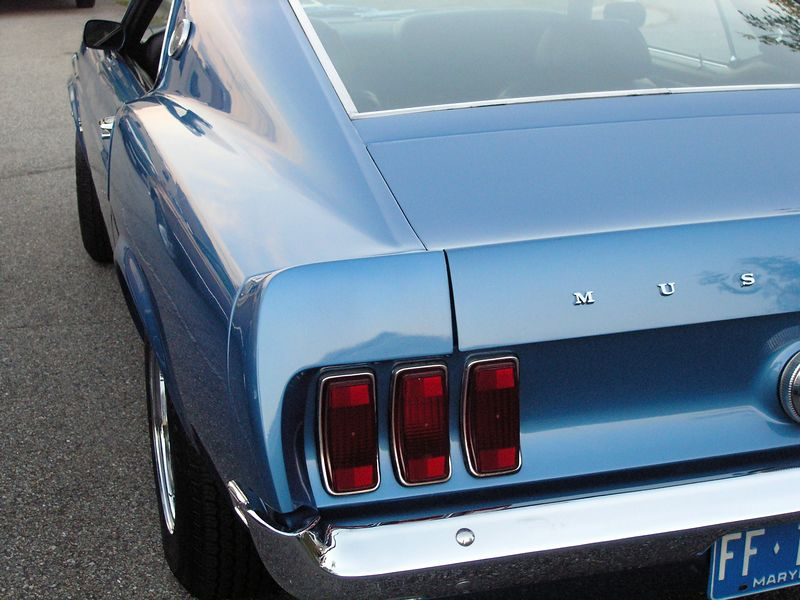 Ford Mustang (p9111962-C.jpg)