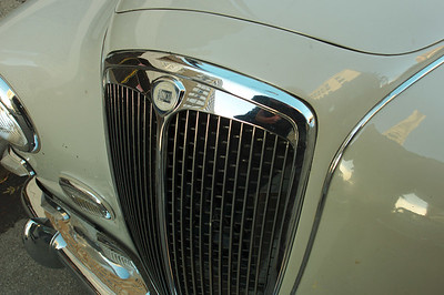 grille detail of Aurelia sedan. Note the recess of the grille into the bodywork, no rubber to be seen. What details!