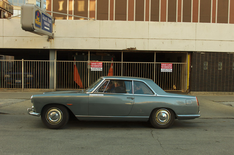 Flaminia PF coupe of the 1960's, in front of scenic Chicago!