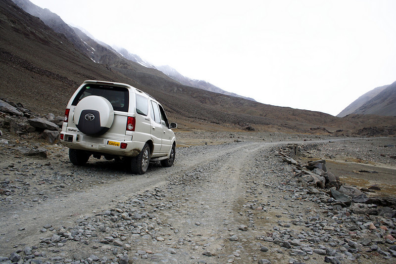 The road to Kunzum