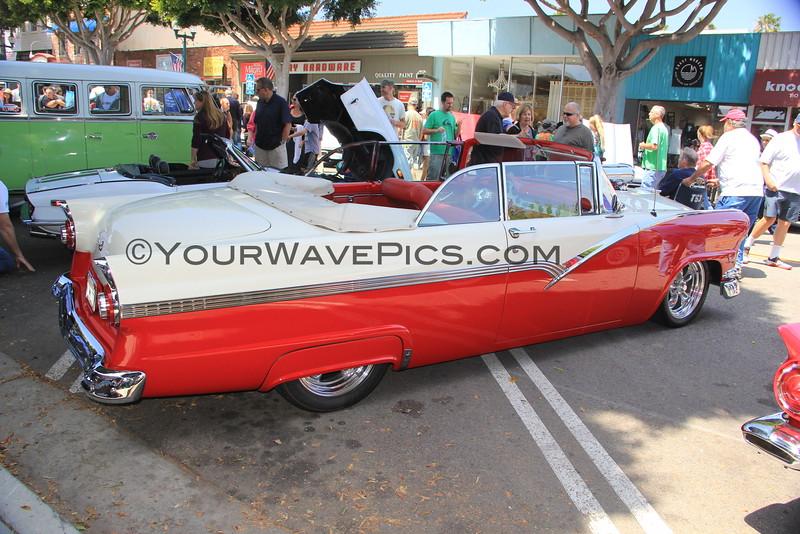 2016-04-30_Seal Beach Car Show_Ford Fairlane Victoria_2126.JPG