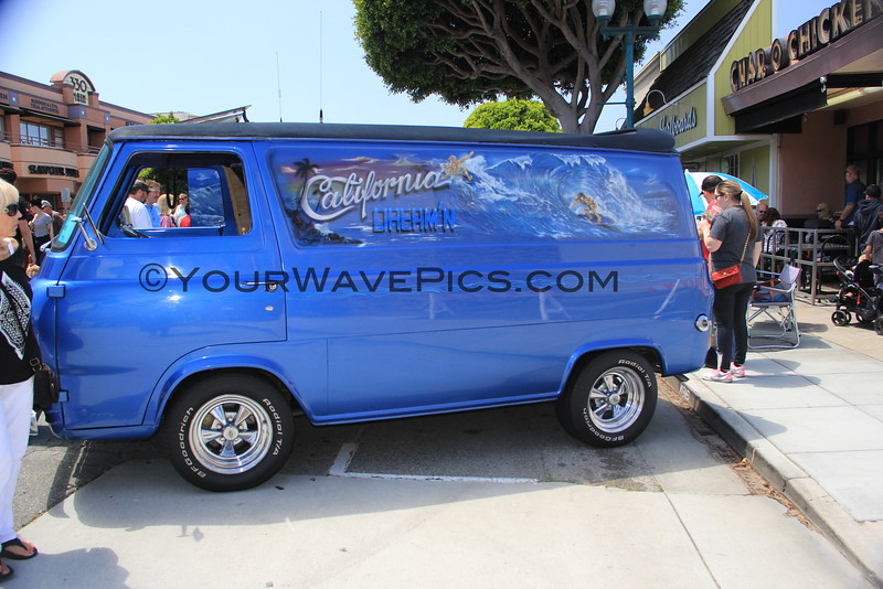 2016-04-30_Seal Beach Car Show_1965 Ford Econoline Van_2133.JPG