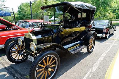 Simsbury Classic Car Show