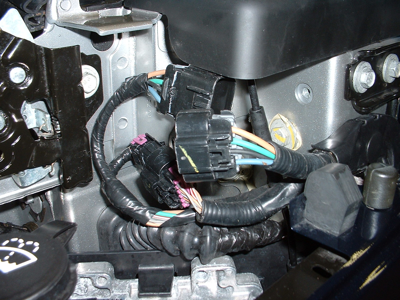 Driver's side plug for power window wiring