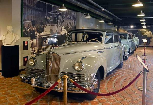 ZiS 110V convertible, Vadim Zadorozhny Museum, Moscow, 29 August 2015.  One of 2089 built 1947 - 1958.  This car was used by the notorious secret police chief Lavrenti Beria.