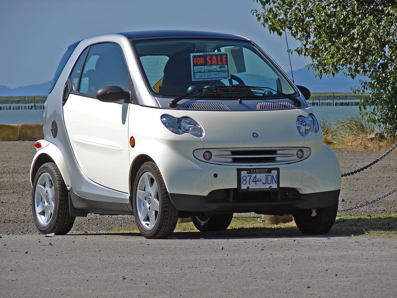 Smart Car Pulse spotted for Sale at Garry Point Park.