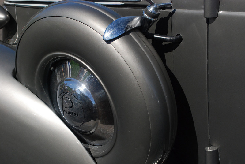 Studebaker 6_03_10 37 President side mount detail
