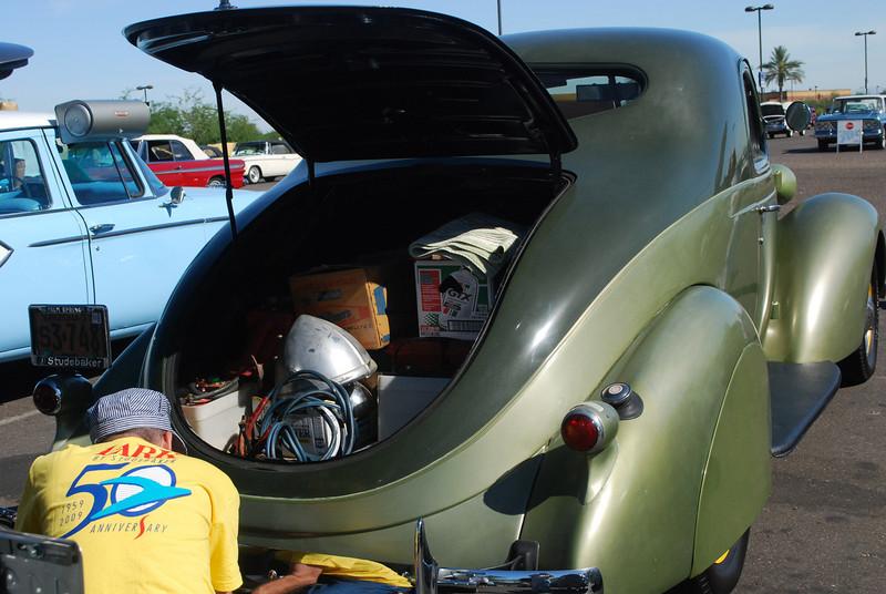 Studebaker 6_3_10 37 Dictator rr rt trunk open