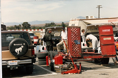 Riverside 1986 - preparing the R5's.