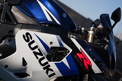 2004 Suzuki GSX-R750 Sportbike. Yoshimura Tri-Oval Carbon Exhaust. Taken with Canon 40D and 24-70mm f/2.8L