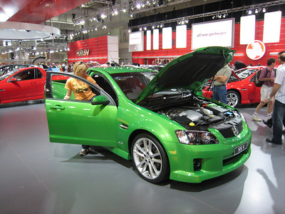 Maloo ute - nice colour in a hoonish way.