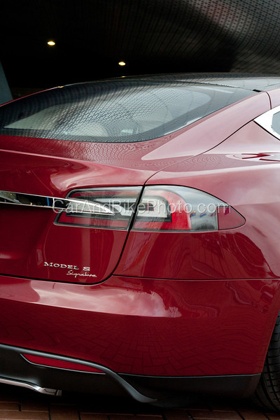 Tesla-6708