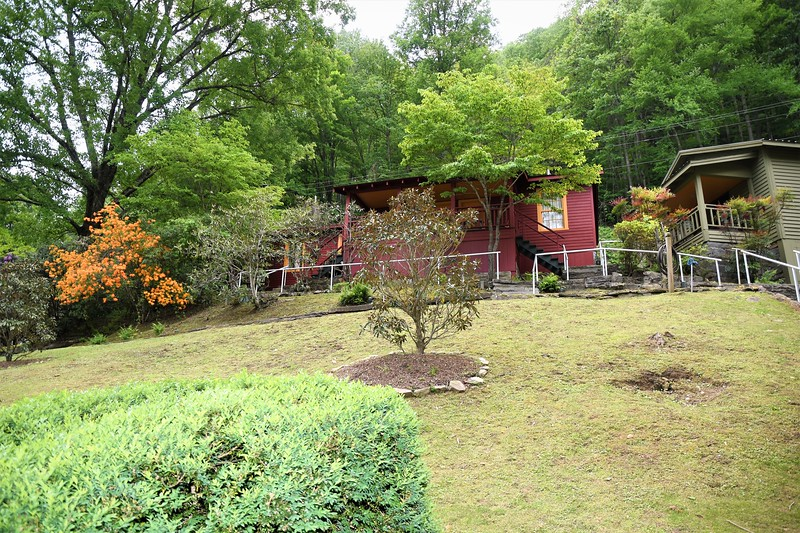 Tapoco has several cabins for rent..
